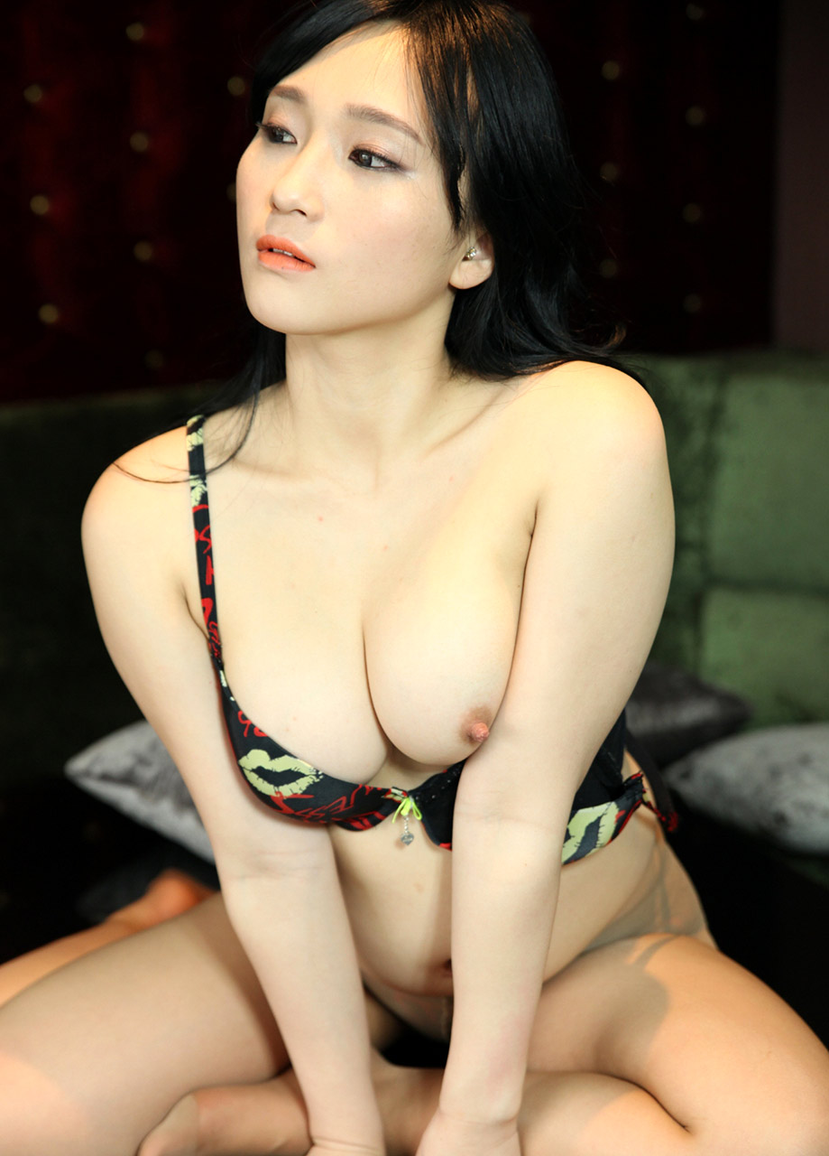 mature aunty nude