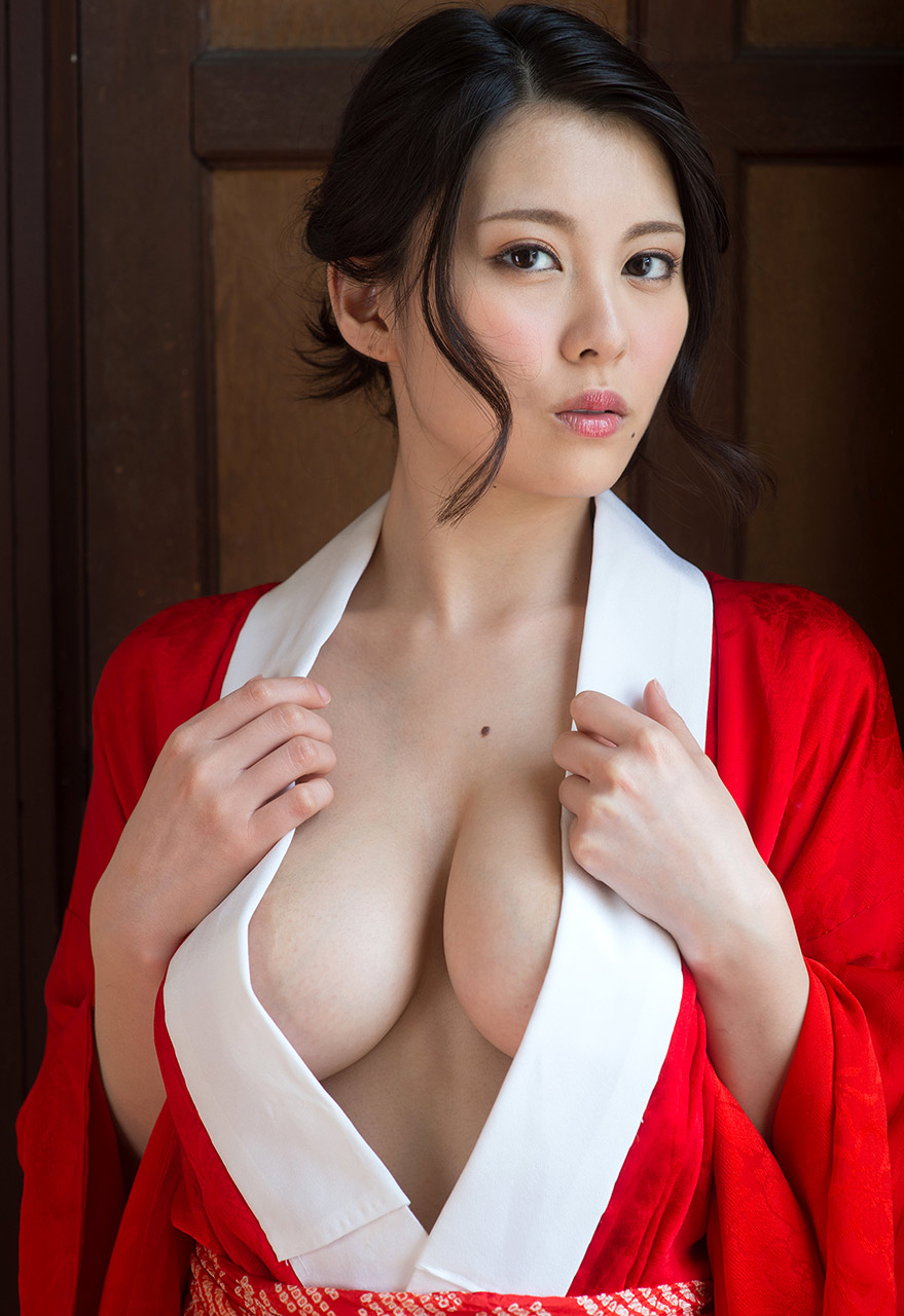 Japanese busty idol mio takaba 02 3