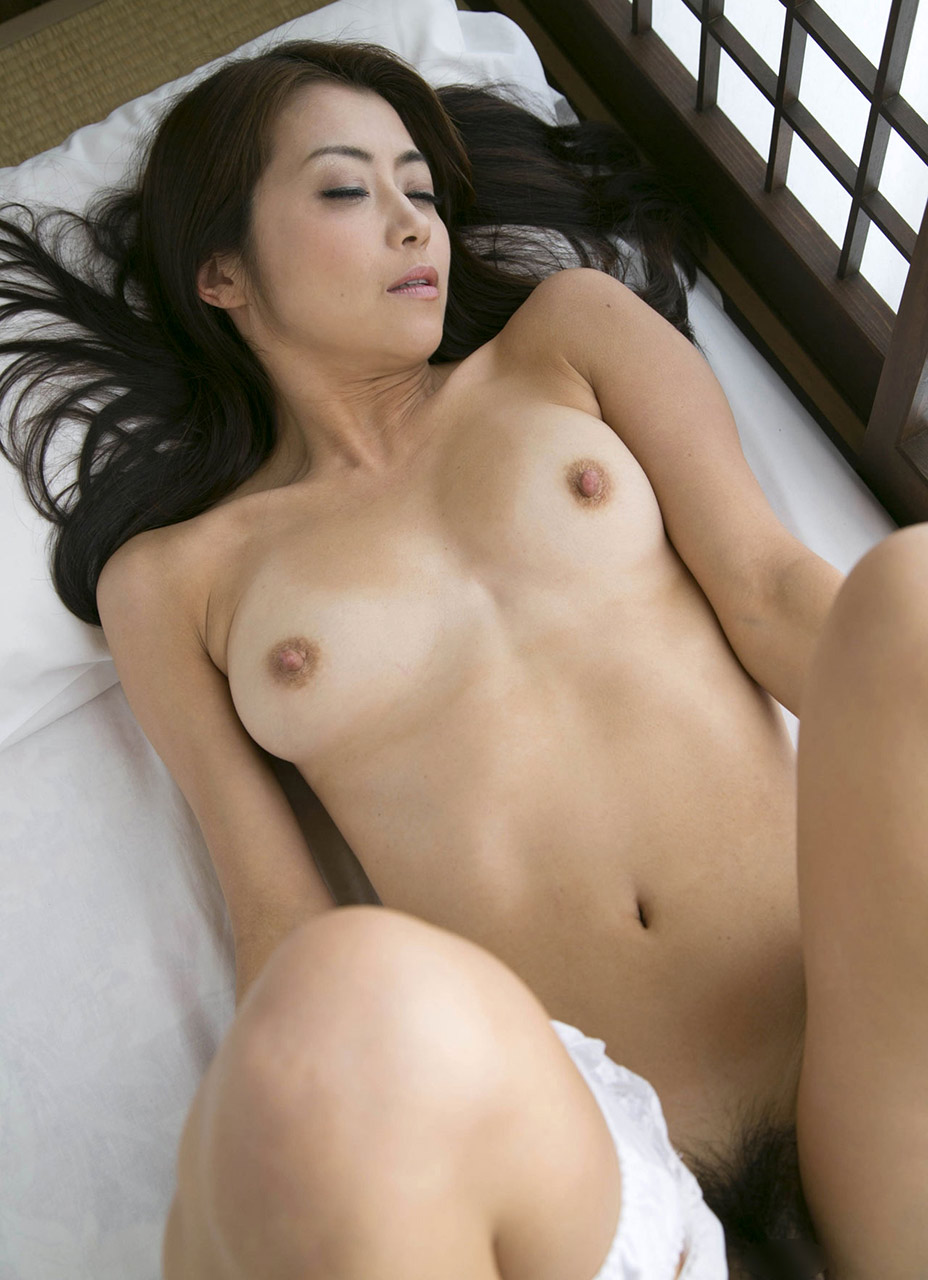nude japanese girl shows Uncensored