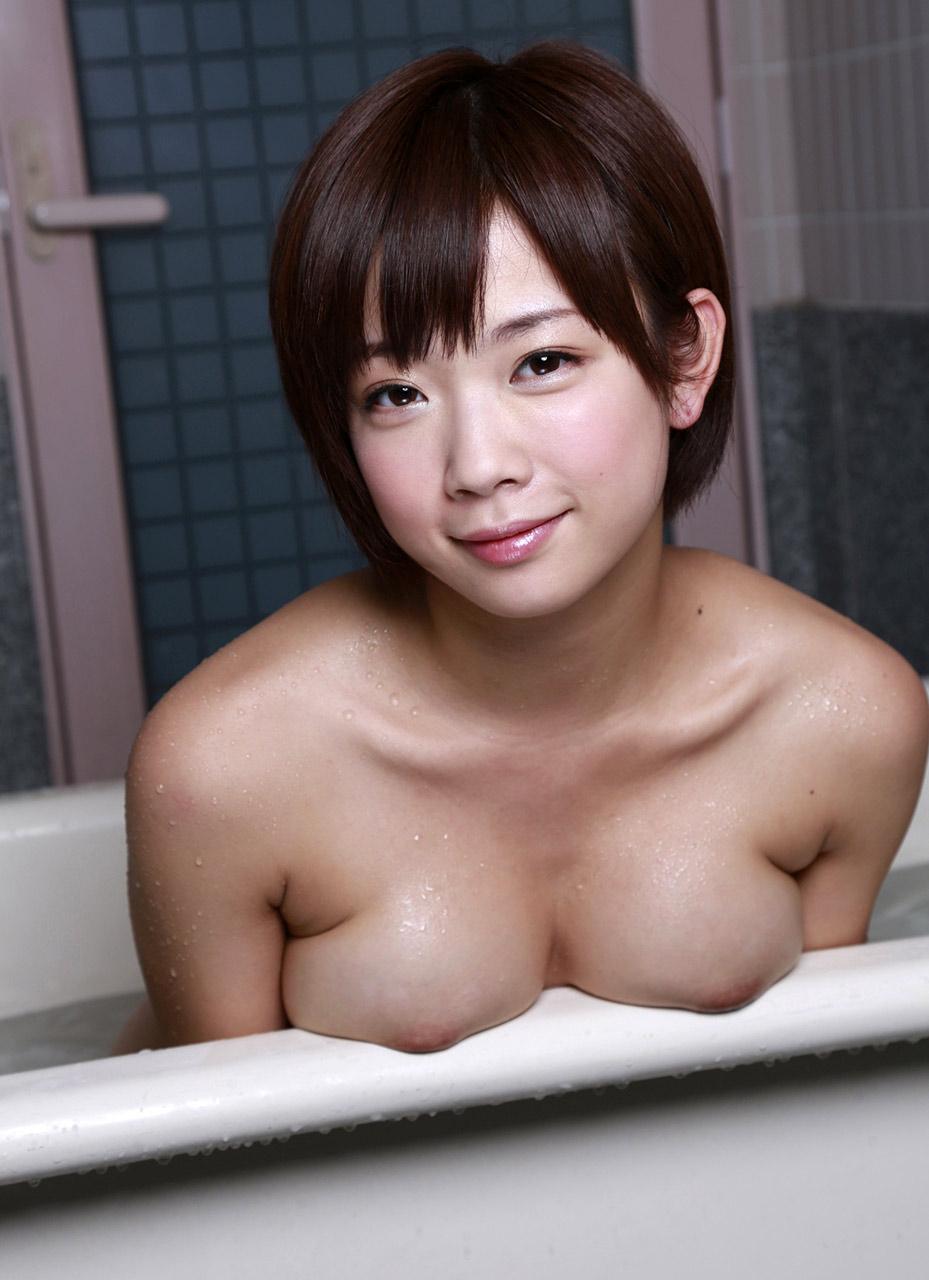 yaponskoy-pornozvezdi-mani-sakuri