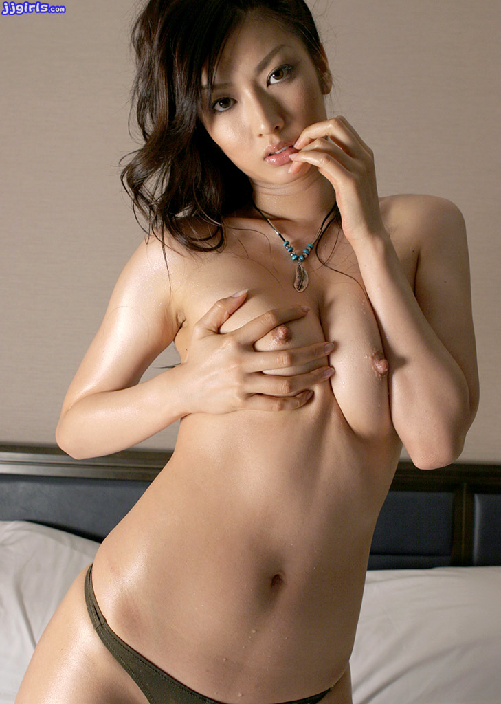 image Teen japanese natsuki arai slides a dick in between her tits