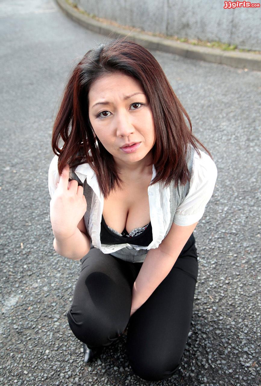 無修正 熟女 porn 黒乳首