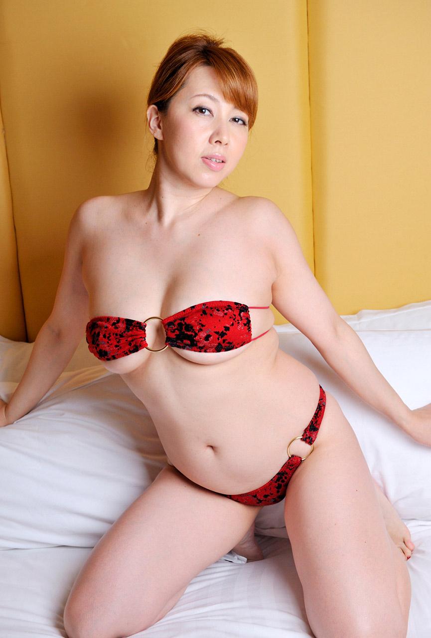 Yumi kazama videos